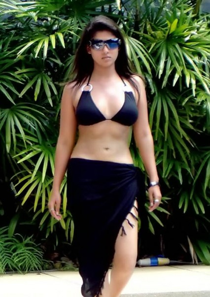 [bikini-426x600.jpg]