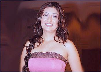 BwNewz: Kumkum bhabhi turns Heroine...