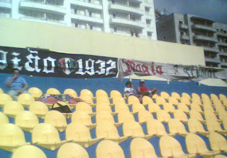Faixas dos Ultras Estrela no Estoril