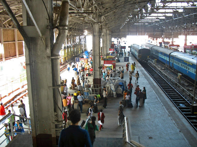 birds eye view of mumbai train platform