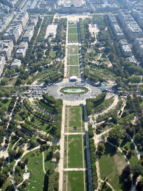 aerial view of Trocadéro gardens