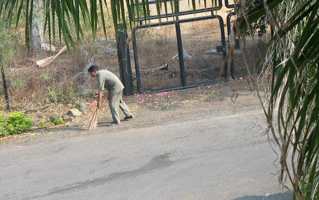 sweeper at the Taj hotel