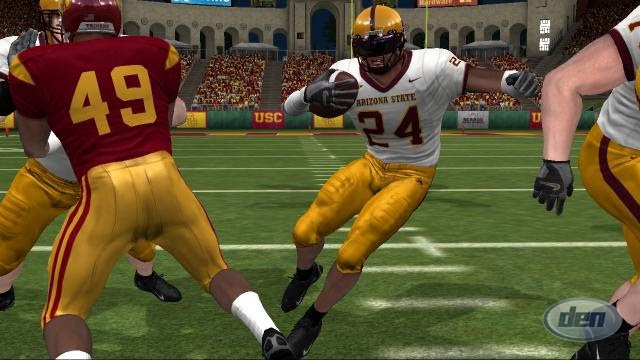how many college football players are there ncaa live football scores