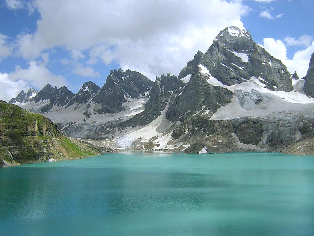 pakistan a paradise on earth essay