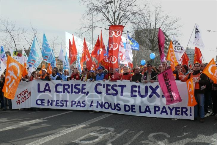 Votez comme vous avez manifesté ! 74313-greve-du-19-mars-2009-manifestation-a-lyon