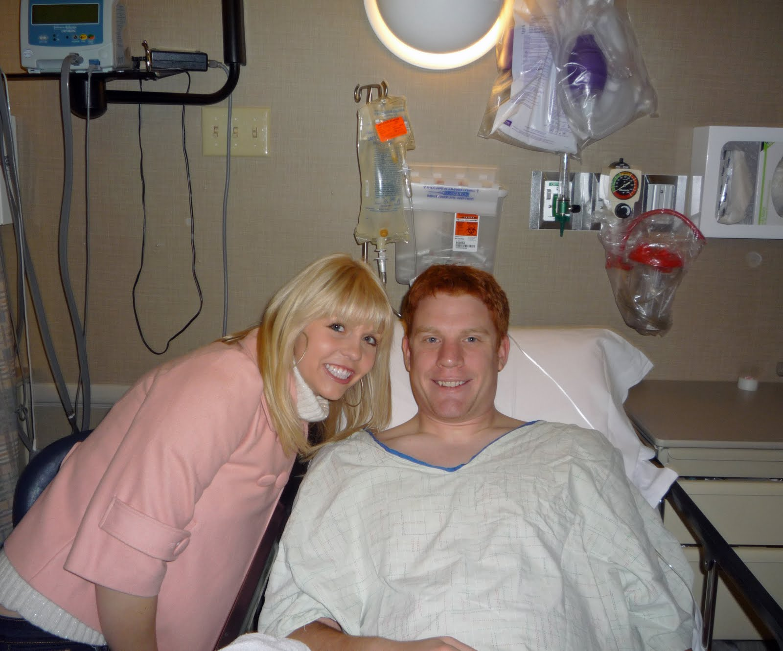 http://1.bp.blogspot.com/_5zsfH2wSYjg/Sws5Hzg41cI/AAAAAAAABAQ/2utYaSzwRe0/s1600/Me+and+Ryan+before+surgery.jpg