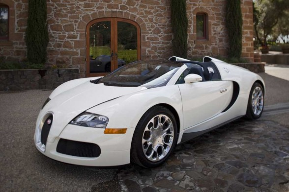 cars top inspirations bugaty veyron 2011 information. Black Bedroom Furniture Sets. Home Design Ideas