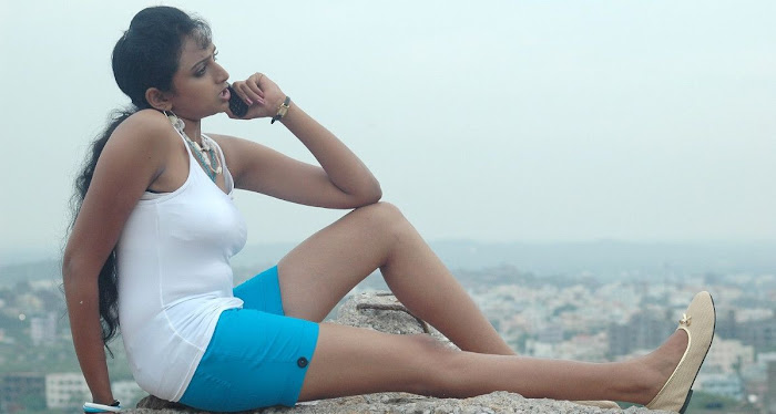 waheeda spicy in white shorts in thakita thakita unseen pics