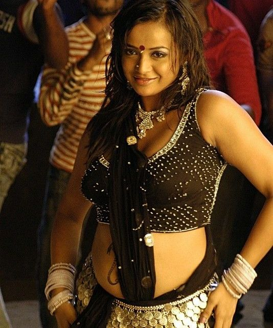 tanurai in spicy item songs shoot actress pics