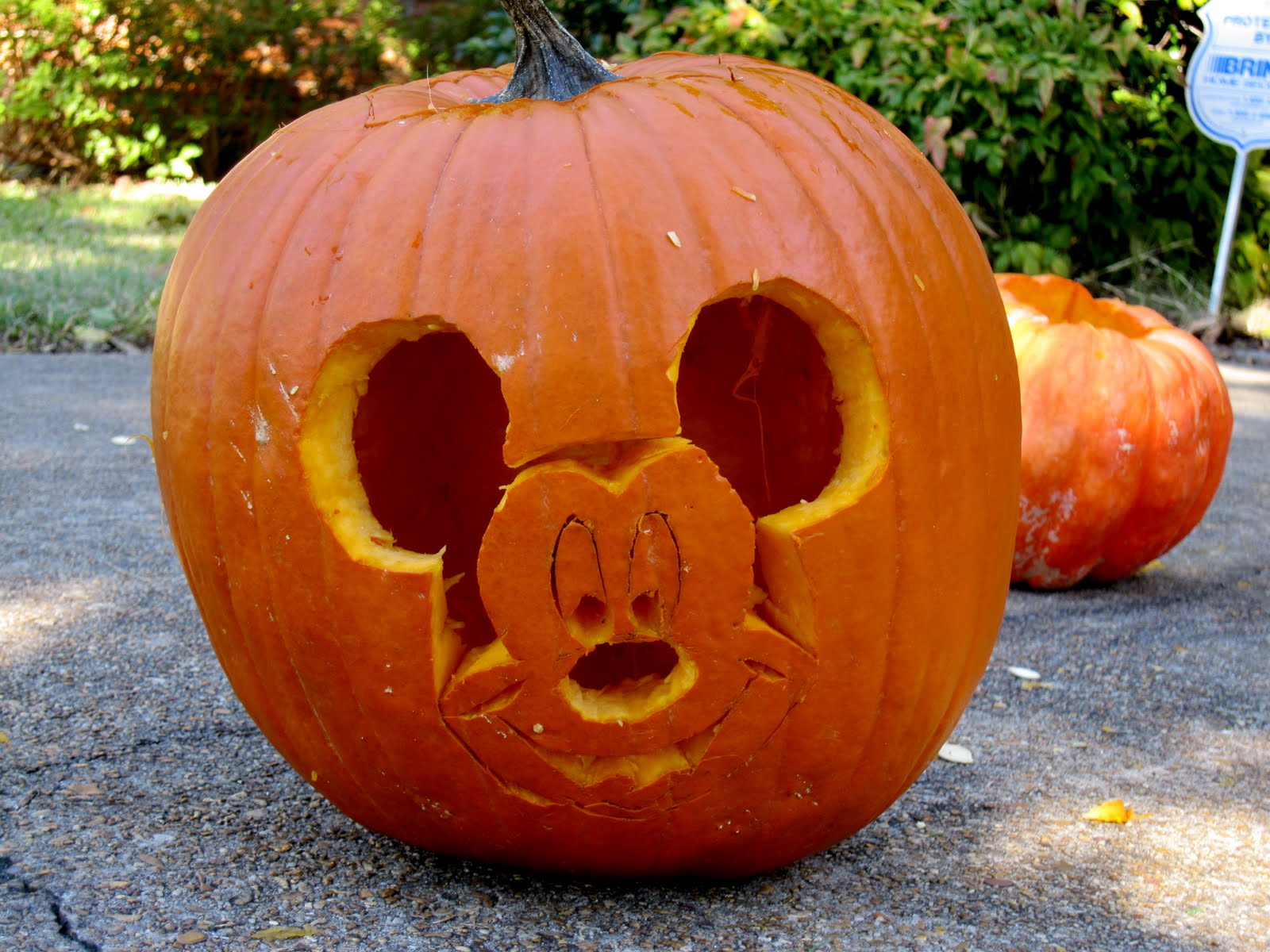 Mickey mouse pumpkin stencil 2017 2018 best cars reviews for How to paint a mickey mouse pumpkin