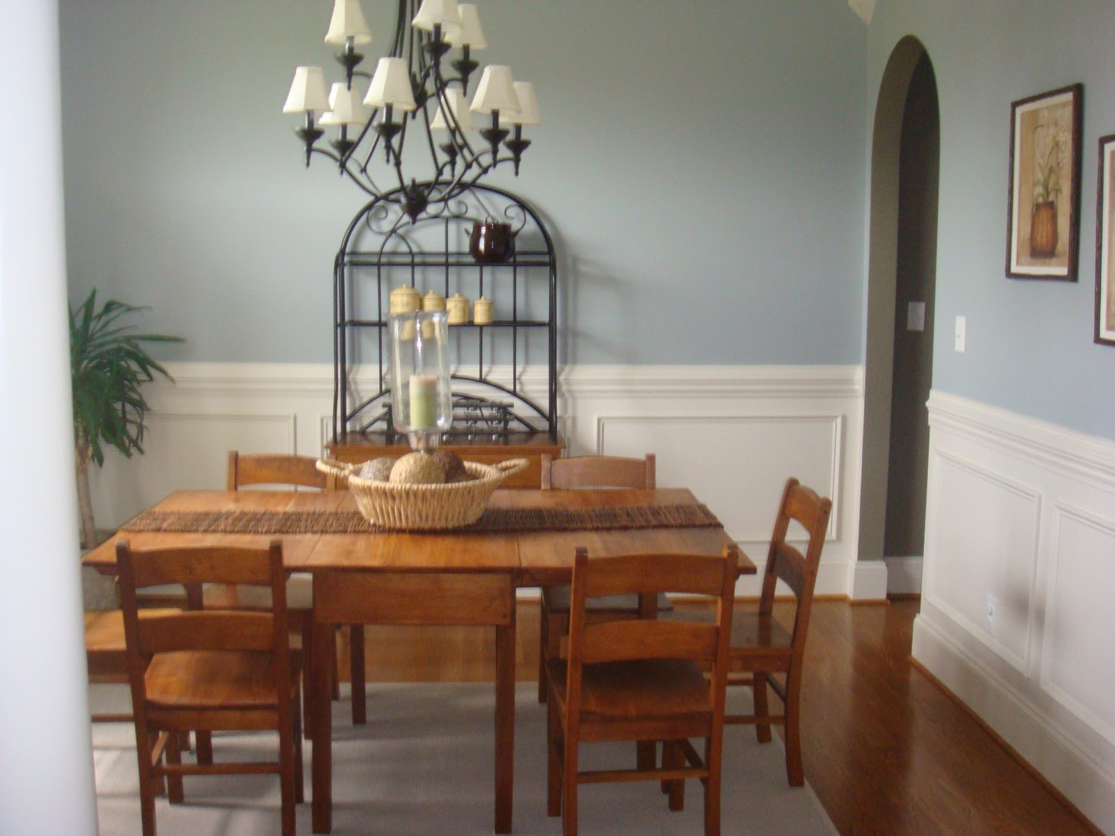 The nest builder favorite paint colors party for Best color to paint a dining room