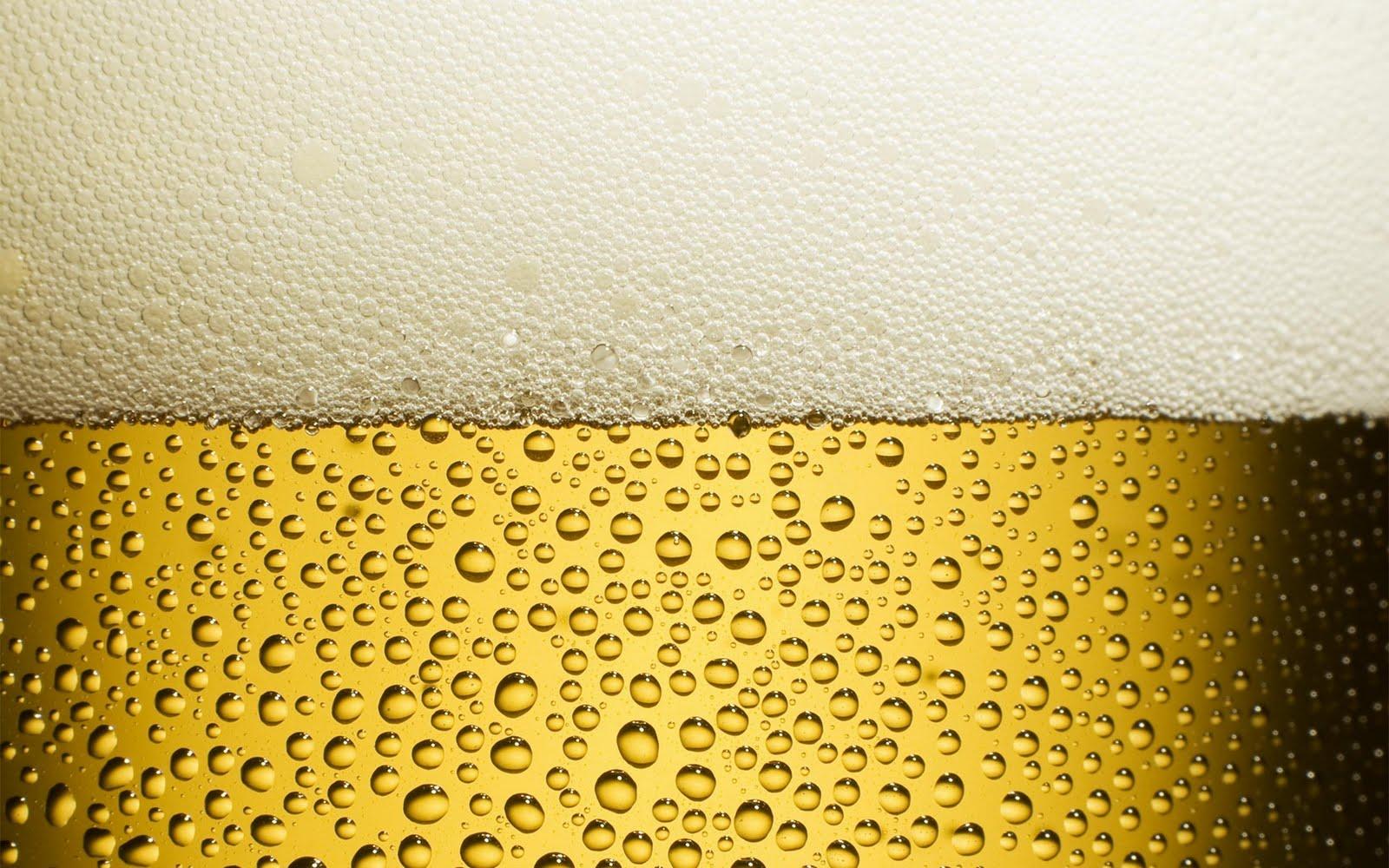 http://1.bp.blogspot.com/_64QM8mYklnU/TJr67At8ZBI/AAAAAAAAAOk/MFTGwE2dNeU/s1600/keep-beer-cold-2560x1600.jpg