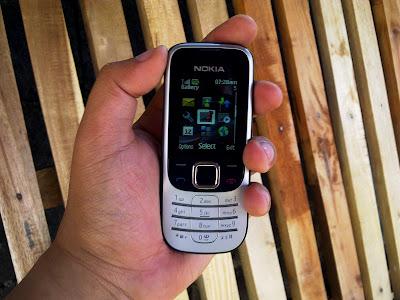http://1.bp.blogspot.com/_65hrElHN4VE/S7AZVFZyztI/AAAAAAAAF3Q/eQ1Frw25uvc/s1600/Nokia+2330+Classic+Scratch+e-Pad%21+04.jpg