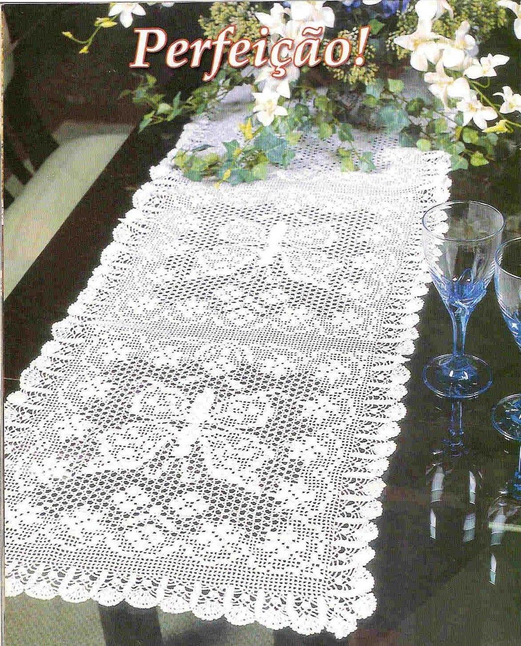Mais uns modelos com gráfico de caminhos de mesa em crochê filé .