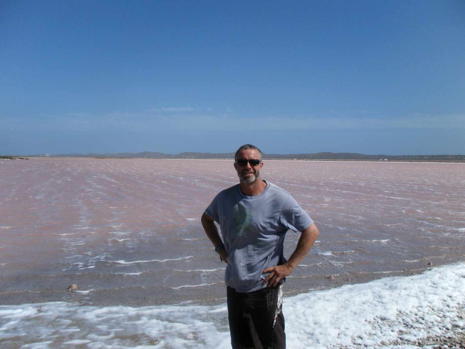 how to go pink lake from perth