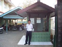 Pos Satpam & Tempat Parkir Motor