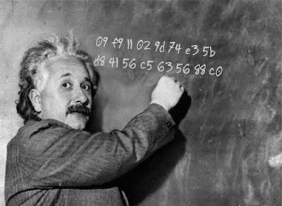 Albert Einstein con 09 F9 11 02 9D 74 E3 5B D8 41 56 C5 63 56 88 C0
