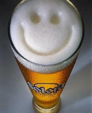 smilie en copa de cerveza