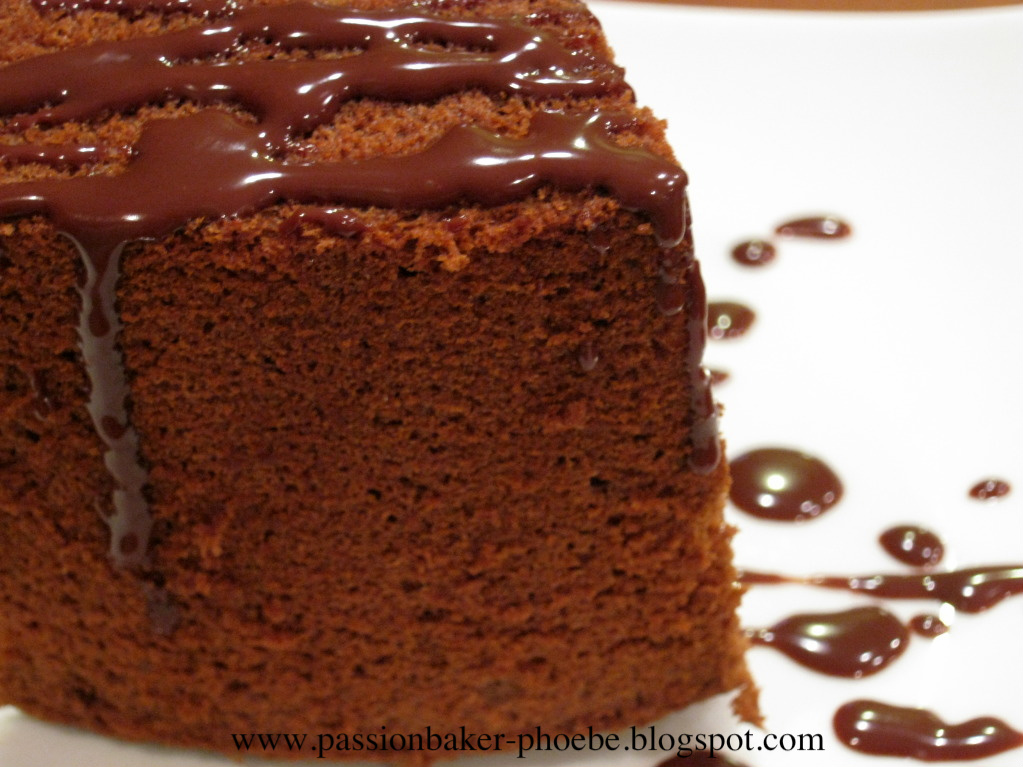 ... Chiffon Cake With Fudge Frosting And Raspberry Cake on Pinterest