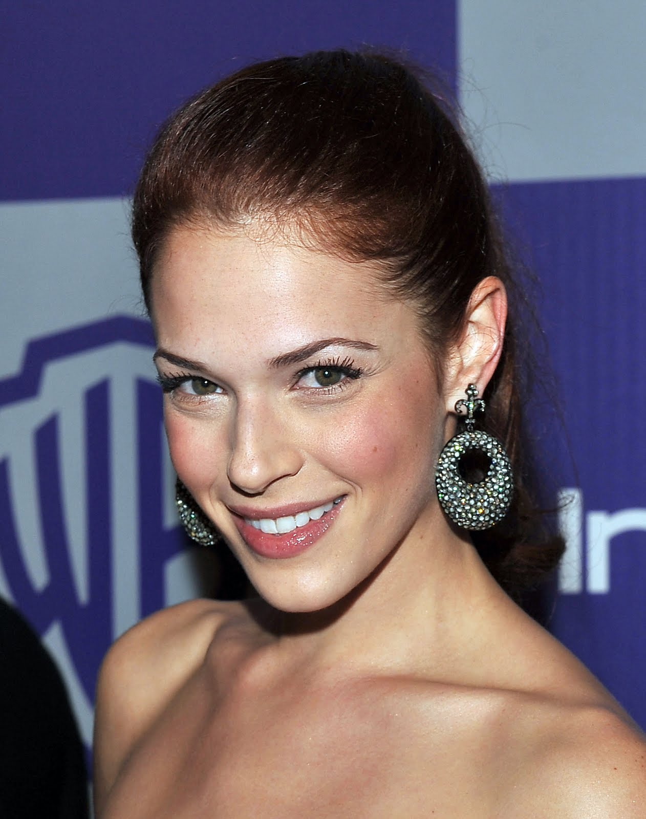 Amanda Righetti is Very-Well