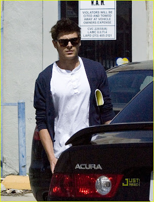 Zac Efron Hot Photo