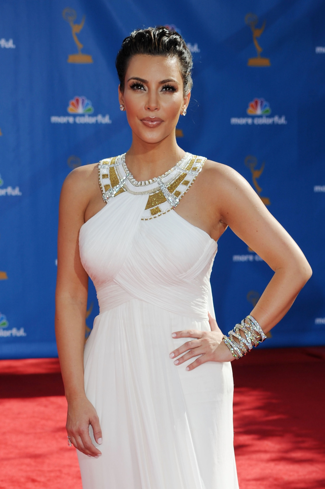 http://1.bp.blogspot.com/_6A8j2EQmANk/THuC2nApPiI/AAAAAAAAKHI/3C7em0wgtlc/s1600/Beauties+In+62nd+Annual+Prime+Time+Emmy+Awards9.jpg