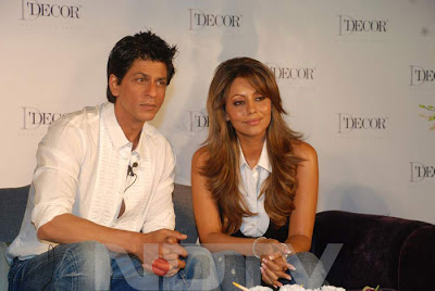 Shah Rukh Khan's Hot Photos with Gauri Khan