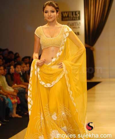 anushka sharma hot saree pics. Sexy Anushka sharma hot Poses