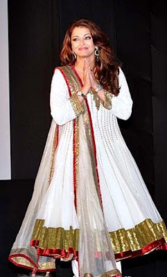 Bollywood babes on traditional dress