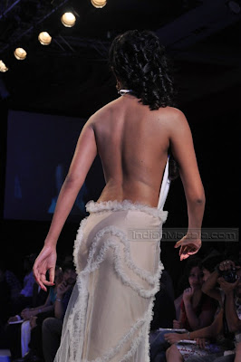 HQ-Sayali Bhagat Backless Models on Ramp at IIJW 2010