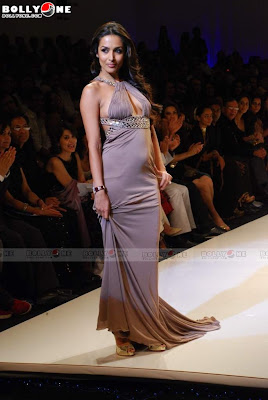 Sushmita Sen ,Sameera Reddy , Malaika Arora and Amrita Arora walk the ramp in Blenders Pride Fashion Tour