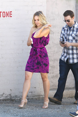 Kristen Bell is Looking Hot in Purple Dress