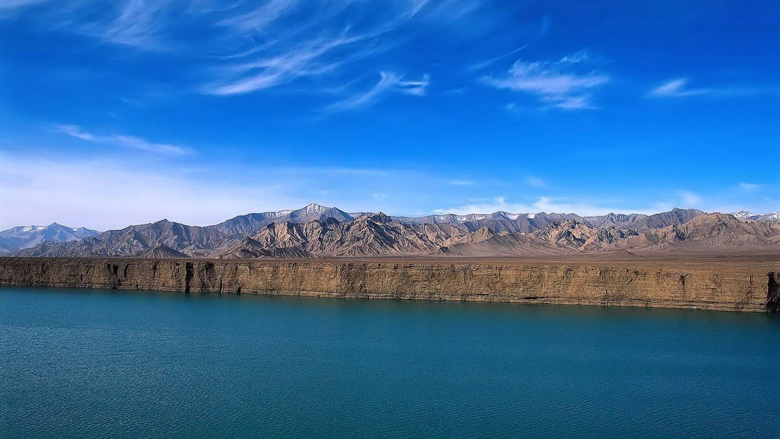 http://1.bp.blogspot.com/_6A8j2EQmANk/TJh-qVXtZ8I/AAAAAAAASIE/Z_pgRYIFqf8/s1600/Beautiful+Ever+Landscape+Wallpapers+2.jpg