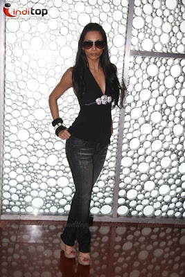 Sonakshi Sinha, Malaika at Dabangg special charity screening Pictures