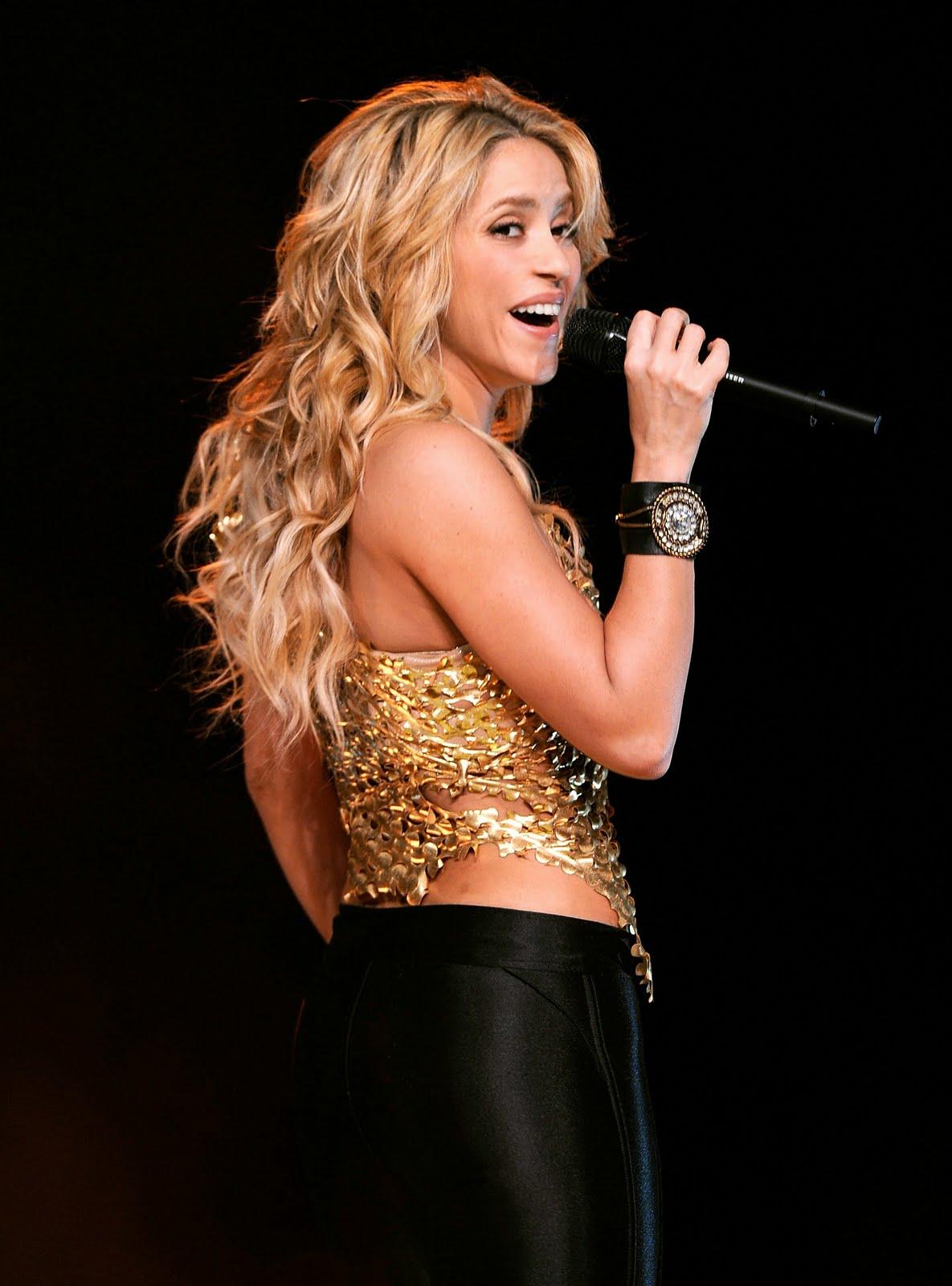 http://1.bp.blogspot.com/_6A8j2EQmANk/TJxf5SJt4bI/AAAAAAAASds/zroN7V4kRIw/s1600/Shakira+Live+Performance+at+Madison+Square+Garden+Pictures7.jpg