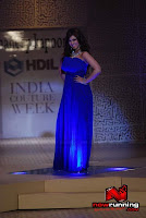 Ayesha Takia walks in wearing blue hot outfit for Maheep Kapoor