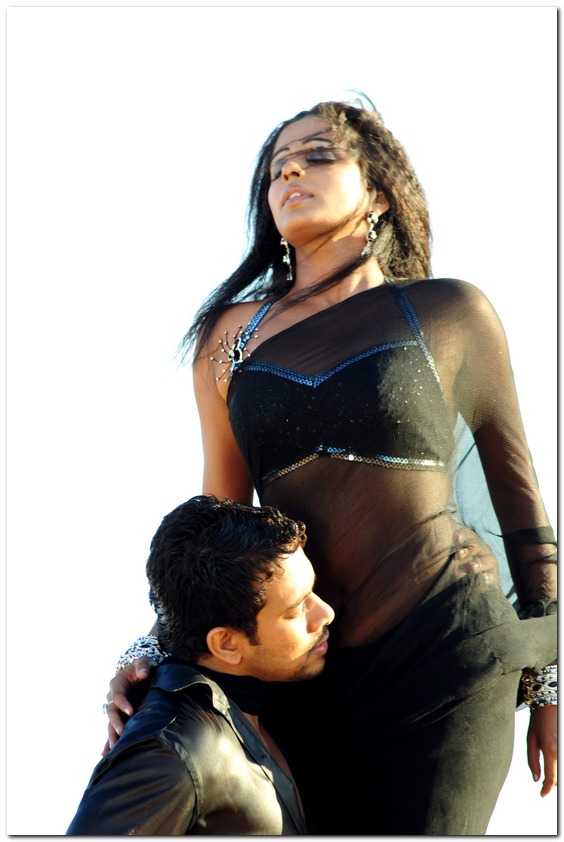 Priyamani Cleavage Hot Sey