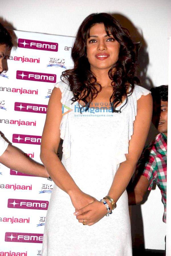 pooja kumar in anjaana anjaani. Ranbir and Priyanka Attend Couples Screening of #39;Anjaana Anjaani#39;