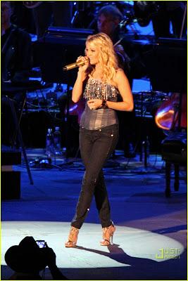 Carrie Underwood Sounding Hollywood Bowl Photos