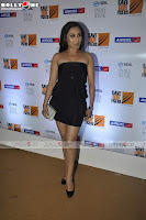 Rani Mukherji looking Sexy and Sweet in black dresss at HDIL Fashion Show