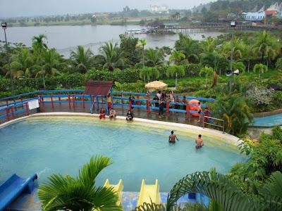 Bukit Merah Laketown Resort