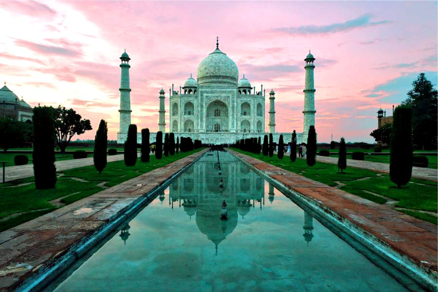 [Taj+Mahal+at+sunset.jpg]