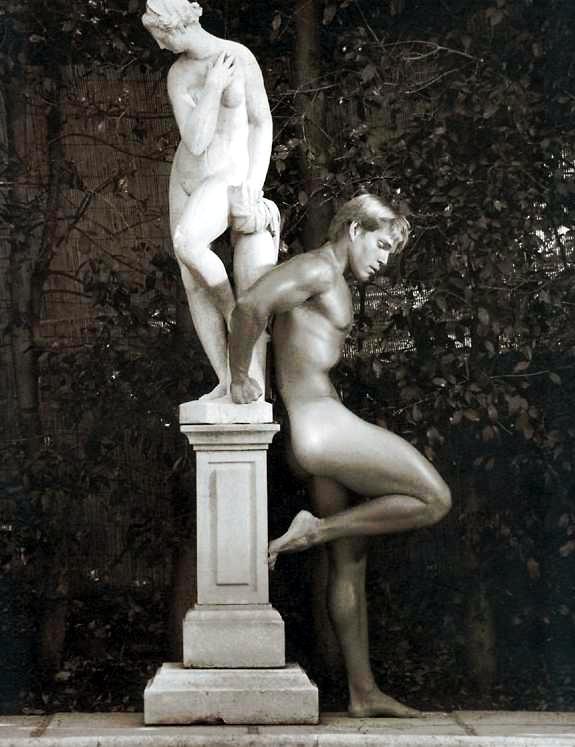 [Statue_1_Nude+Male.jpg]