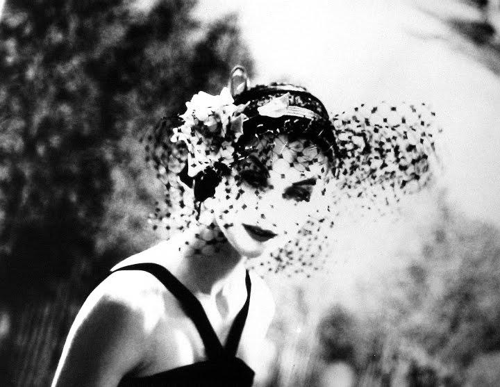 [Veiled+faces_3_Lillian+Bassman,+Anne+Saint-Marie,+NY.jpg]