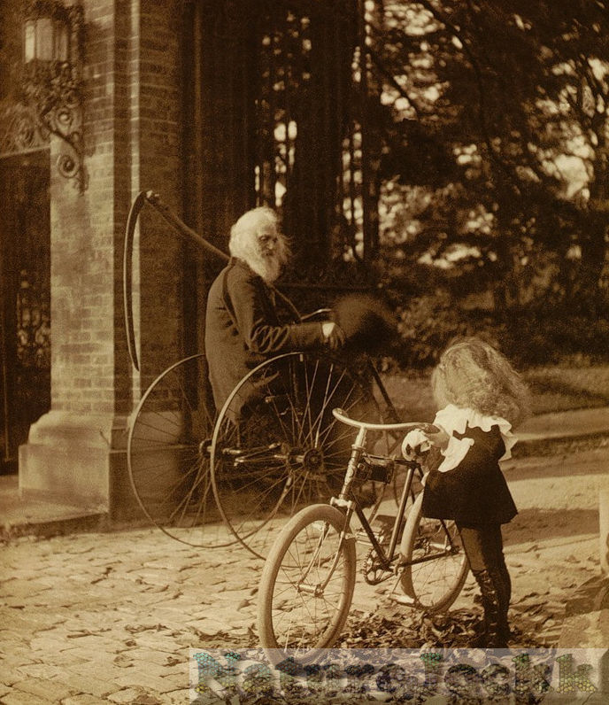 [Vintage_1_Bicycle+old+man+and+girl.jpg]