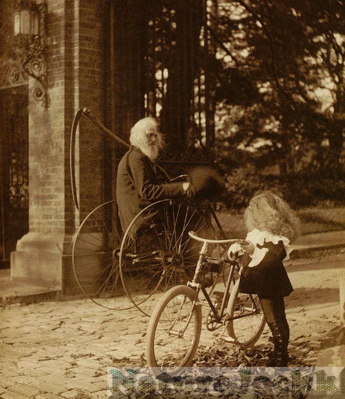 [Vintage_1_Bicycle+old+man+and+girl.jpg]