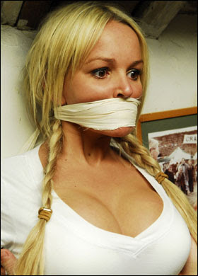 Nuts Model Gallery: Jennifer Ellison