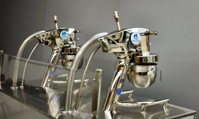 The Presurfer: Liquid Nitrogen Ice Cream Machine