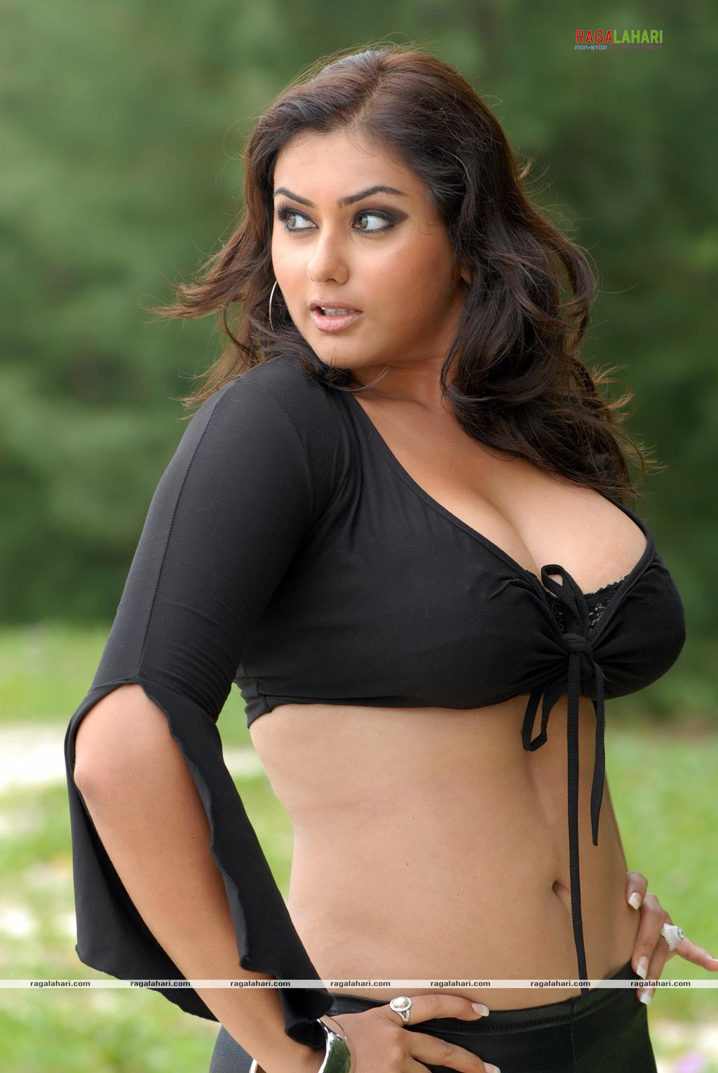 Namitha hot image and sexy wallpapers