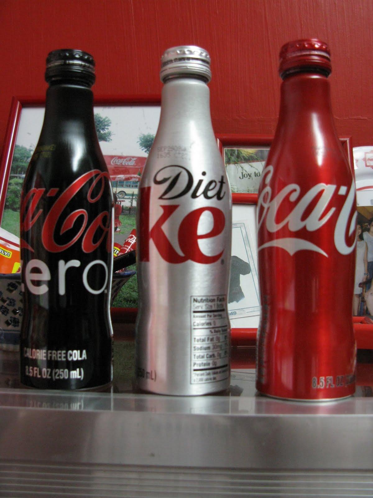 the coca cola collectors coca cola aluminum contour bottles. Black Bedroom Furniture Sets. Home Design Ideas